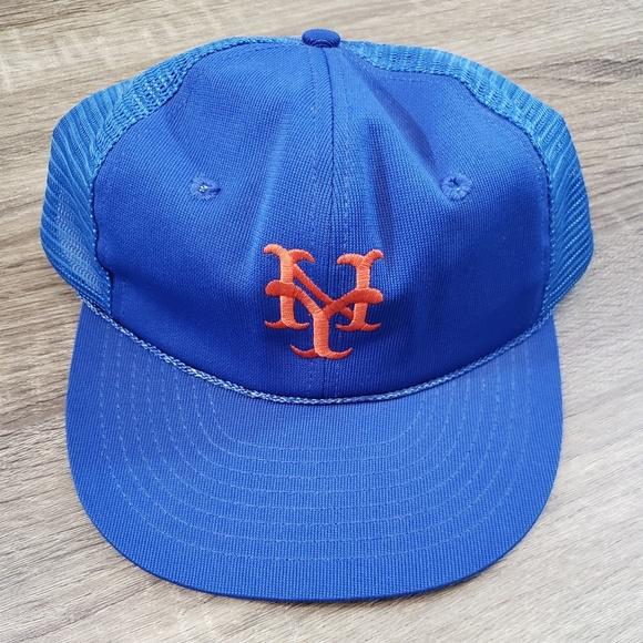 premium selection 76000 4cec0 Vintage MLB New York Mets Mesh Snap Back Hat. M 5b8b7095c2e9fe805828791e